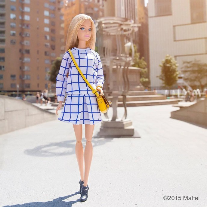 Popping out of the office to head to my next show! #NYFW keeps me on the go! ?? #barbie #barbiestyle